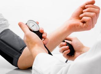Riesgo Cardiovascular de la Hipertensión de Bata Blanca
