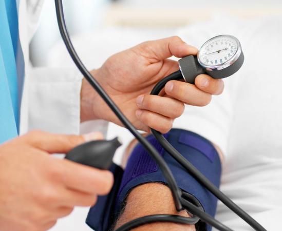 La presión arterial diastólica y el daño miocárdico sub-clínico